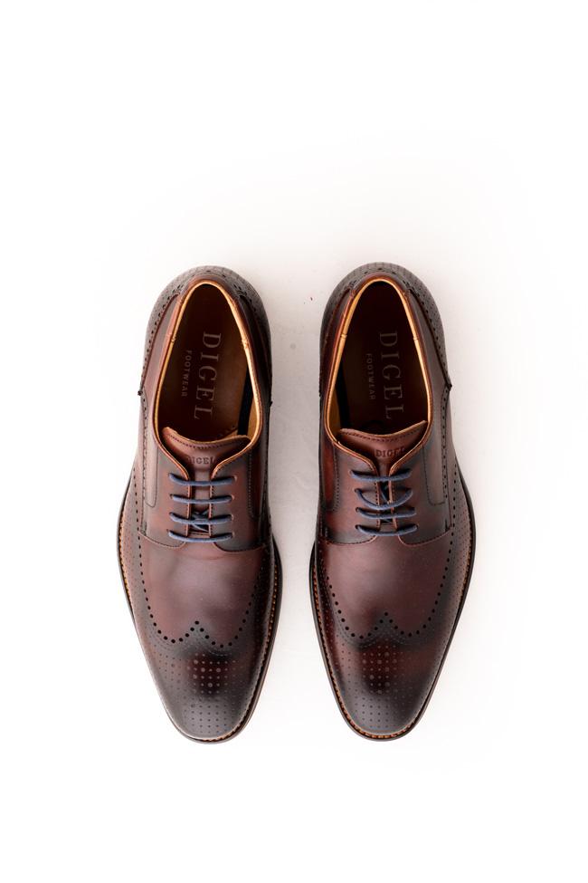 Svečani poslovni moški čevlji